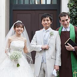 家族への感謝を伝える、想いの詰まった結婚式