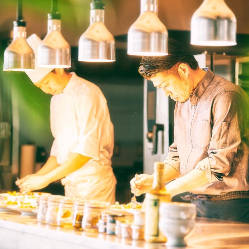 《特選牛×オマール海老試食》チャペル&Liveキッチン&最新演出