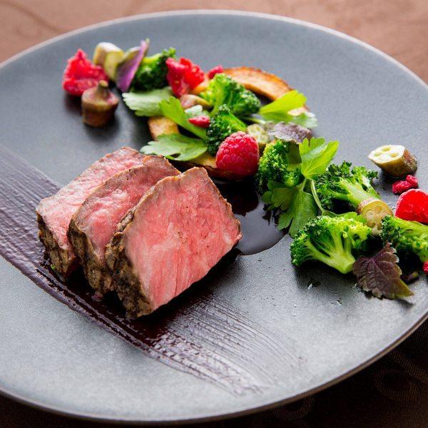 【料理特典付】国産牛&オマール海老試食★鮮魚のLIVE演出体験