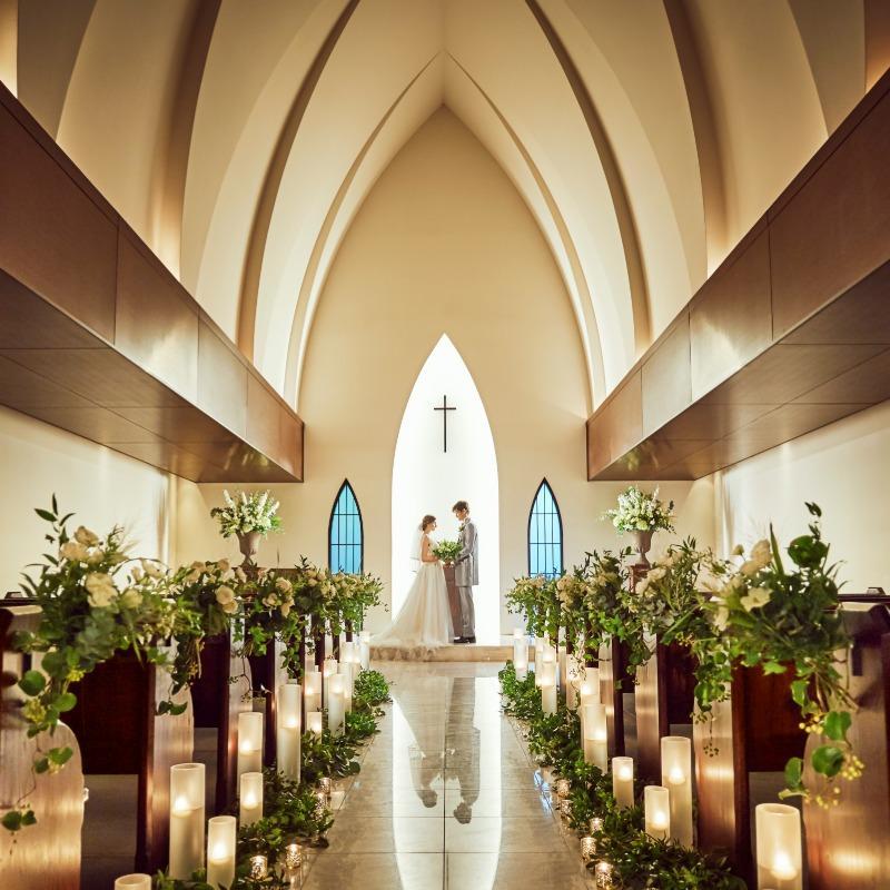 【新春8大特典】緑に包まれた教会見学&デザートビュッフェ体験