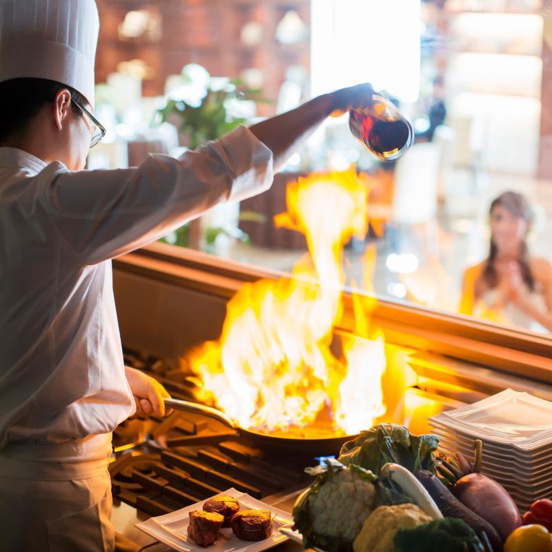 《最大130万円特典》Liveキッチン演出♪とろけるロッシーニ試食